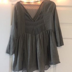 Hollister olive green flowy top size xs